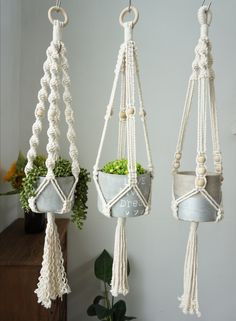 macrame plant hanger+macrame+macrame wall hanging+macrame patterns+macrame projects+macrame diy+macrame knots+macrame plant hanger diy+TWOME I Macrame & Natural Dyer Maker & Educator+MangoAndMore macrame studio Macrame Plant Hanger Patterns, Macrame Plant Holder, Macrame Hanging Planter, Crochet Plant Hanger, Free Macrame Patterns, Creation Deco, Macrame Design, Macrame Projects, Hanging Plants