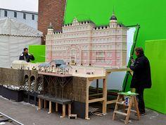Todos los secretos de los efectos especiales en las películas de Wes Anderson al descubierto | PlayGround | Actualidad Musical