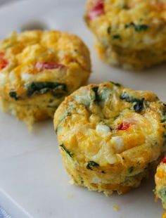 Pepper egg muffins - protein rich snack - Clean Eating by Annika-Äggmuffins med paprika – proteinrikt mellanmål – Clean Eating by Annika Pepper egg muffins – protein rich snack – Clean … - Low Carb Breakfast, Sausage Breakfast, Breakfast Recipes, 300 Calorie Lunches, Protein Rich Snacks, Keto Recipes, Dessert Recipes, Eggs In Peppers, 300 Calories