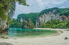 Living in Thailand - A Paradise For Digital Nomads Digital Nomad, Amazing Places, Dna, The Good Place, Golf Courses, Thailand, Paradise, Community, Water