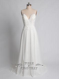 images/Low-V-neckline-long-flowy-chiffon-wedding-dress-with-spaghetti-straps-p-TCCMD1010.jpg