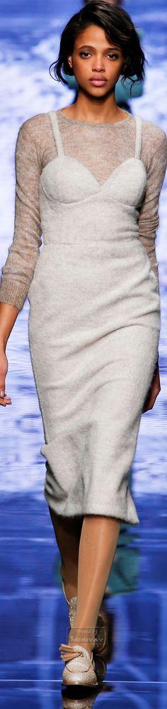 Max Mara.Fall 2015. I'd wear that.