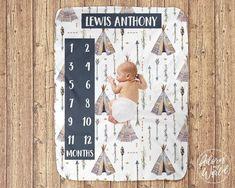 Arrow Nursery, Tribal Nursery, Baby Milestone Blanket, Milestone Blankets, Monthly Baby, Baby Growth, Foto Baby, Baby Milestones, Newborn Gifts