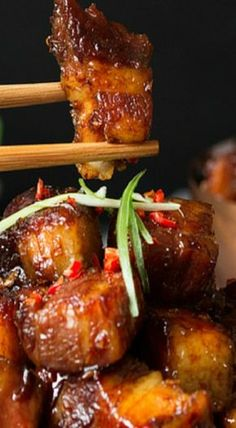 This Chinese pork belly is meltingly tender with a sweet-spicy-sticky coating. Here's my process for the best pork belly you've ever tasted. Pork Recipes, Asian Recipes, Chicken Recipes, Cooking Recipes, Asian Pork Belly Recipes, Hawaiian Recipes, Chinese Pork Belly Recipe, Recipies, Indonesian Recipes
