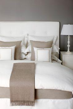 Met natuurlijke kleuren en luxe lakens creëer  je je eigen hotel gevoel!