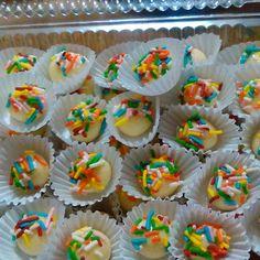 #mazapán #chispasdecolores #inauguración #bocaditos Instagram Posts, Desserts, Food, Tailgate Desserts, Deserts, Essen, Postres, Meals, Dessert
