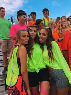 See more of woahitsmadison's VSCO. Hs Football, High School Football Games, Football Outfits, Football Themes, Football Spirit, Football Dress, Cute Friend Pictures, Best Friend Photos, Best Friend Goals