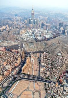 Mecca & Pilgrimage l مكة والحج - Page 491 - SkyscraperCity Mecca Masjid, Masjid Al Haram, Mecca Wallpaper, Islamic Wallpaper, Islamic Images, Islamic Pictures, Beautiful Mosques, Beautiful Places, Mekkah