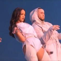 Rihanna Baby, Rihanna Riri, Beyonce, Couple Aesthetic, Bad Girl Aesthetic, Rihanna Video, Birthday Icon, Rihanna Looks, Rihanna Outfits