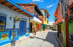 Un deliciu vizual: Cel mai colorat oras din lume -Guatape Places Around The World, Around The Worlds, Family Painting, City Streets, Most Beautiful Pictures, Street Photography, Places To Travel, Architecture, South America