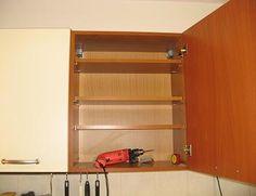 Montare rafturi corpuri suspendate la mobila de bucatarie | Imagini lucrare Bathroom Medicine Cabinet