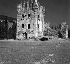 Ο πανέμορφος πέτρινος Πύργος του Τζανετάκη Γρηγοράκη, 3ου μπέη της Μάνης, που χτίστηκε τα τελευταία χρόνια της Τουρκοκρατίας και σήμερα λειτουργεί ως Ιστορικό Εθνολογικό Μουσείο της Μάνης.