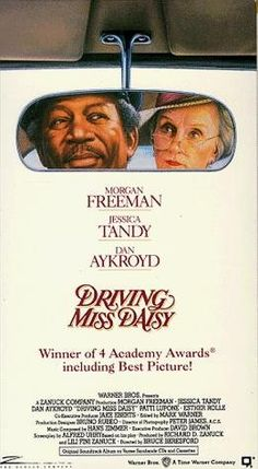 DRIVING MISS DAISY: Directed by Bruce Beresford. With Morgan Freeman, Jessica Tandy, Dan Aykroyd, Patti LuPone. An old Jewish woman and her African-American chauffeur in the American South have a relationship that grows and improves over the years. Film Movie, See Movie, Movie List, Driving Miss Daisy, Film Music Books, Music Tv, Old Movies, Great Movies, Digital Cinema