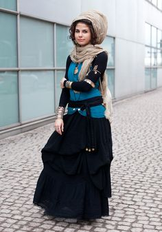 """hel-looks: Sara, 23 """"I always wear a scarf, long sleeves and a long skirt because of my religion. History, fairytales and my other home country Iran inspire my style. I like to mix eastern and western influences. Street Style Blog, Looks Street Style, Street Style Women, Street Styles, Hijab Fashion, Boho Fashion, Fashion Looks, Womens Fashion, Street Fashion"""