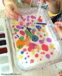 "Red spot, blue spot. Big spot, little spot. Vinegar and baking soda: Combine science and speech therapy with this awesome activity! Can you say ""spot?"""