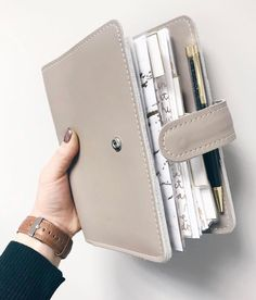 Filofax Planner - Increase Your Potential Using These Hot Effective Time Management Tips Studyblr Notes, Desk Stationery, Stationary, Planner Organization, Binder Planner, Organizer Planner, Planner Inserts, Ring Binder, Monthly Planner