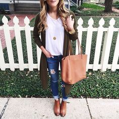 Thanksgiving Outfit Ideas: 10 Cute Outfits For All Occasions - Chanel Cardigan - Ideas of Chanel Cardigan - thanksgiving outfit idea: long open front cardigan Fall Winter Outfits, Autumn Winter Fashion, Casual Winter, Winter Shoes, Winter Clothes, Winter Style, Fall Fashion, Mode Outfits, Casual Outfits