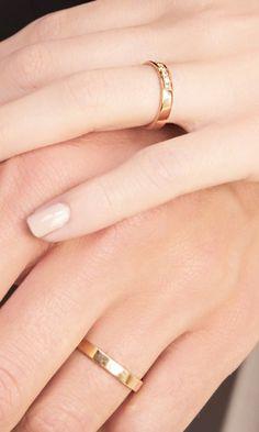 fce88cd1f9f26 ¿Cómo elegir las alianzas según la forma de la mano  Para saber qué anillo  ...