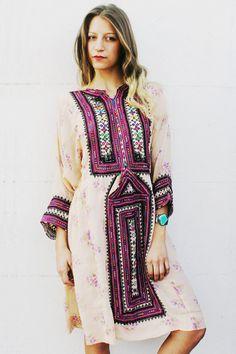 Robe rose à fleurs de Afghani par TavinShop sur Etsy, $230.00
