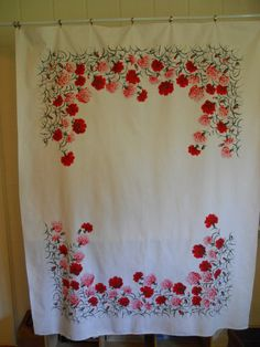 Red and pink carnation Wilendur floral vintage tablecloth