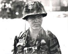 Nick Ut pendant la guerre du Vietnam, sur une photo non datée 945 × 748