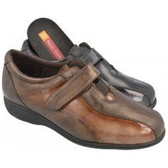 Velcro combinado con charol del Doctor Cutillas con piso de descanso y horma de ancho especial