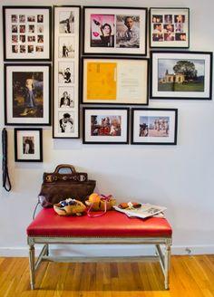 Você pode utilizar quadros de vários tamanhos e formatos para decorar sua parede e expor suas fotos.