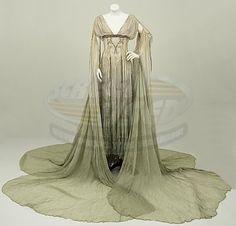 I always loved the bride of Dracula's costumes from Van Helsing. Flowy, ethereal, enchanting... kinda skanky.