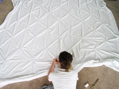 pintuck duvet cover tutorial. I see this in aqua or green in my near future! Made out of two flat sheets!