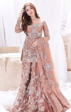 Pakistani Fashion Party Wear, Pakistani Wedding Outfits, Pakistani Dresses Casual, Indian Fashion Dresses, Indian Bridal Outfits, Indian Gowns Dresses, Pakistani Wedding Dresses, Pakistani Dress Design, Indian Designer Outfits