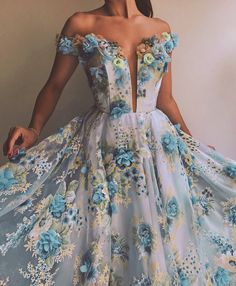 Long Prom Dresses – Hot Advice Even Parents Will Love – Lady Dress Designs Ball Gown Dresses, Evening Dresses, Dress Up, Prom Dresses, Formal Dresses, Quinceanera Dresses, Bridesmaid Dresses, Dress Prom, Spring Dresses
