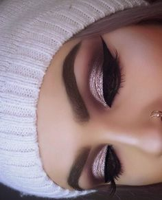 How pretty is this? Gorgeous glam by ? Love the shimmery eyes & winged liner! Perfect look for any occasion! Our luxurious mink lashes make the perfect gifts for every glam girl! Order t Makeup Eye Looks, Beautiful Eye Makeup, Stunning Eyes, Eye Makeup Tips, Smokey Eye Makeup, Cute Makeup, Eyeshadow Makeup, Makeup Brushes, Hair Makeup