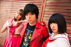 異色の音楽ユニット「夏の魔物」を華麗に彩る女性メンバー、塚本舞&ケンドー・チャンの魅力に迫る
