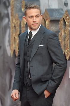 You'd Better Sit Down — These 100 Charlie Hunnam Pics Are Achingly Sexy Mad Men Fashion, Mens Fashion Suits, Celebrity Stars, Celebrity Crush, Gorgeous Men, Beautiful People, Pretty People, Charlie Hunnam Soa, Jax Teller