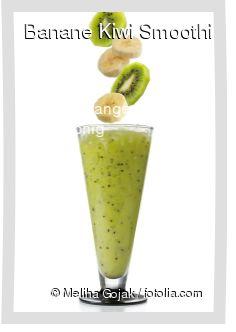 Leckeres Banane Kiwi Smoothie Rezept mit einfacher Schritt-für-Schritt-Anleitung: Alles im mixer vermischen und servieren...