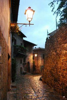 Montefioralle (Chianti), Tuscany, Italy (via La Toscana)