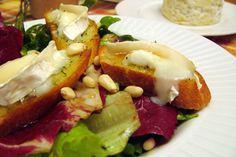 Salade aux croûtons de chèvre chaud et leur coulis de miel - Banlieusardises Happy Foods, French Food, Food Inspiration, Baked Potato, Side Dishes, Salads, Potatoes, Baking, Ethnic Recipes