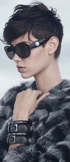love the #pixie and 60s sunglasses