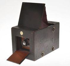 Reflex-Camera-Co-Patent-Reflex-Hand-Camera-macchina-fotografica-reflex-per- il-formato-4x5-1896 #storiadellafotografia #fotografia #photography #photo #areashootworld #fotoepoca