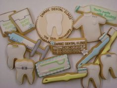 More dentist cookies! I'm loving the teeth with the brackets