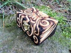 Cthulhu Trinket Box - OOAK Pyrograhy by parizadhe.deviantart.com on @DeviantArt