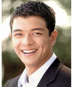 JERICHO ROSALES born September 1979 in Quezon City, Philippines is a Filipino cinema and television actor, singer, and songwriter. Jericho Rosales, Quezon City, Star Magic, Yesterday And Today, Pinoy, Smile Face, Philippines, Actors & Actresses, Cool Pictures