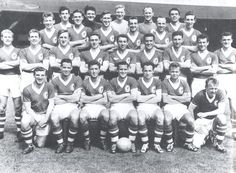 Liverpool squad photos over the years. Liverpool Fc Team, Gerrard Liverpool, Squad Photos, Team Photos, Football Squads, Football Team, Red Team, Over The Years, The Row