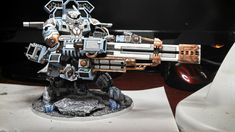 Tau codex is on the way! We found some interesting conversions of battlesuits and vehicles - it's high time to work on your army. Warhammer 40k Figures, Warhammer 40k Art, Warhammer Models, Warhammer 40k Miniatures, Tau Battlesuit, Empire Tau, Tau Army, Grey Knights, Dioramas