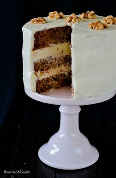 Tarta Hummingbird (tarta Colibrí) Drip Cakes, Pastry Recipes, Let Them Eat Cake, Vanilla Cake, Cheesecake, Deserts, Muffin, Sweets, Lunch