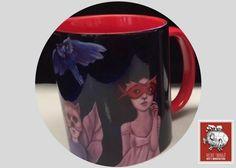 ¡Qué comience la fiesta! la diversión y la magia se esconden tras una máscara. Si buscas: *Tazas decoradas para regalo *Tazas decoradas de artista *Tazas de café para negocio llegaste al lugar correcto :) hacemos envíos a todo México. Para pedidos de mayoreo comunicate a través de nuestra página web vilchistarrago.com