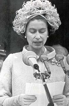 The Queen speaks to Berliners during her visit