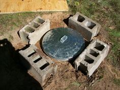 Trash can root cellar for cold-storing veggies in a pinch without using energy