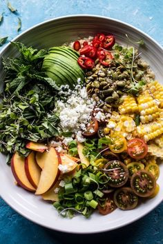 Thai grilled corn and peach quinoa salad: Simple, fast, fresh, healthy and SO GOOD. Healthy Salad Recipes, Whole Food Recipes, Vegetarian Recipes, Cooking Recipes, Avocado Recipes, Thai Recipes, Recipes Dinner, Cooking Tips, Peach Quinoa Salad