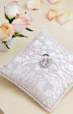 Heart's Desire Ring Bearer Pillow Crochet Pattern | Red Heart